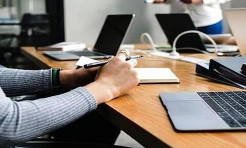 Ψηφιακή κάρτα εργασίας: Πώς θα λειτουργεί - Πού θα εφαρμοστεί πιλοτικά