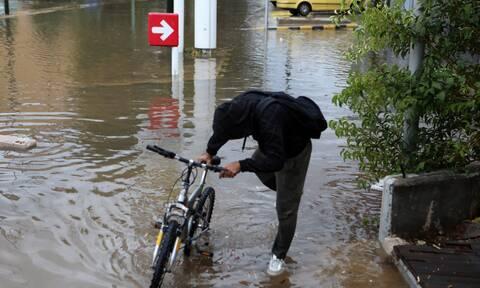 Περιφέρεια Αττικής: «Η Αττική άντεξε» - «Έξι αλήθειες για τα πλημμυρικά φαινόμενα»
