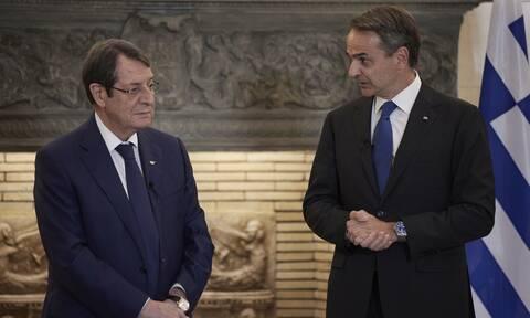 Συνάντηση Μητσοτάκη – Αναστασιάδη: Μήνυμα σε  Τουρκία για Κύπρο - «Μη αποδεκτή η λύση δύο κρατών»