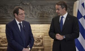 Συνάντηση Μητσοτάκη – Αναστασιάδη: Μήνυμα σε  Τουρκία για Κύπρο - «Μη αποδεκτή η λύση δυο κρατών»