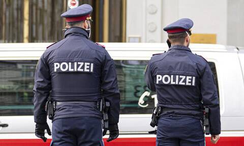Δύο νεκροί μετανάστες σε ασφυκτικά γεμάτο φορτηγό στα σύνορα Αυστρίας - Ουγγαρίας