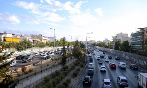 Κίνηση ΤΩΡΑ: Μποτιλιάρισμα στον Κηφισό – Δυσκολίες και σε αρκετούς δρόμους στην Αττική