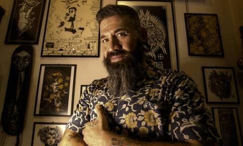 Uncle Chronis: Ο Έλληνας άρχοντας των τατουάζ και του piercing