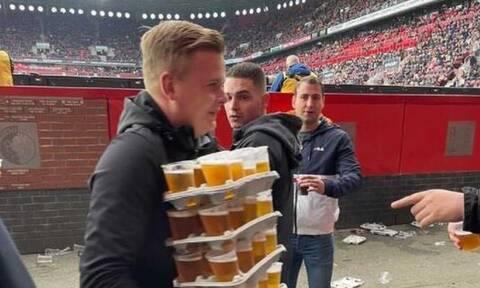 Viral η φωτογραφία του 23χρονου οπαδού της Τβέντε να μεταφέρει 48 ποτήρια μπύρες στην κερκίδα