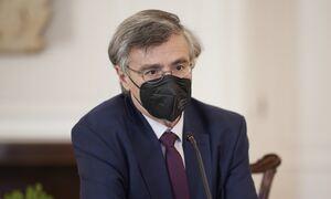 Έκτακτες ανακοινώσεις Τσιόδρα στις 13:00 για τους εμβολιασμούς