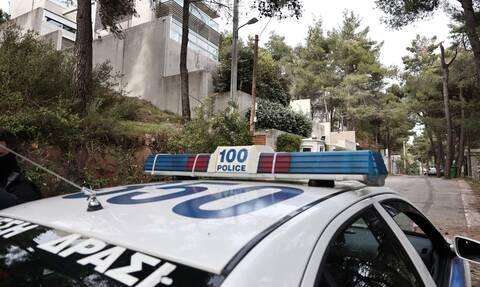 Μυστήριο με τη γυναίκα που βρέθηκε νεκρή στη Γλυφάδα - Δεν έχει ταυτοποιηθεί - Τι ερευνούν οι Αρχές