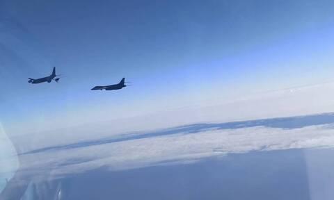 Два российских Су-30 сопроводили самолеты ВВС США над Черным морем