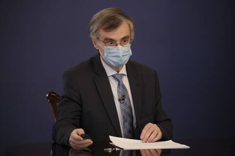 Τσιόδρας: Χωρίς τον εμβολιασμό θα είχαμε 8.400 περισσότερους θανάτους από κορονοϊό
