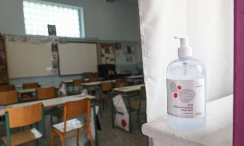 Κρούσματα σε παιδιά: Έφτασαν τα 4.493 σε μια εβδομάδα - Παραμένει η ανησυχία για τα σχολεία