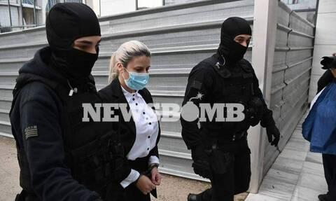 Δίκη για βιτριόλι: Σήμερα η πρόταση του εισαγγελέα για την Έφη Κακαράντζουλα (vid)