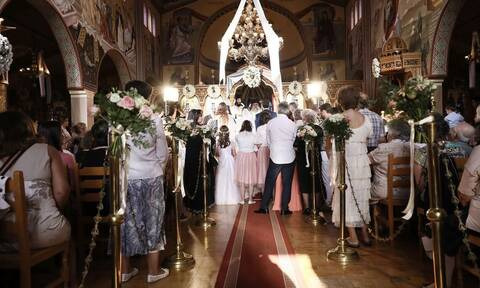 Κορονοϊός - Νάουσα: Συγκλονιστικές αποκαλύψεις - «Το ζευγάρι είχε πυρετό τη μέρα του γάμου»