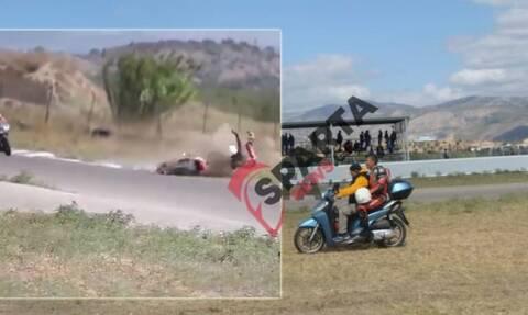 Μέγαρα: Ατύχημα σε αγώνα μοτοσικλέτας - Μετέφεραν τον τραυματία με βεσπάκι (vid)