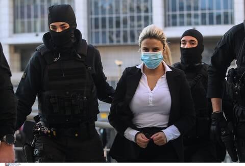 Εισαγγελέας στη δίκη για βιτριόλι: Η Έφη Κακαράντζουλα είχε αισθήματα μίσους για την Ιωάννα