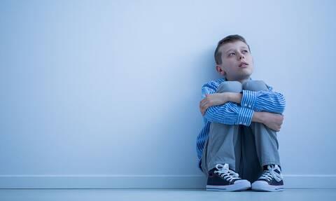 «Δεν μπορώ άλλο, μαμά…» – Η κραυγή απόγνωσης ενός παιδιού με αυτισμό στα Χανιά