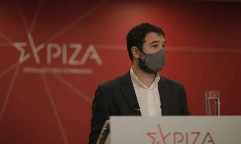 """Ηλιόπουλος: «Το """"μη σώσουν να εμβολιαστούν"""" του κ. Γεωργιάδη είναι η στρατηγική της κυβέρνησης»"""