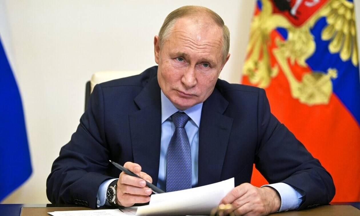Ρωσία: Η Μόσχα εξετάζει να αφαιρέσει τους Ταλιμπάν από τη λίστα των εξτρεμιστικών οργανώσεων