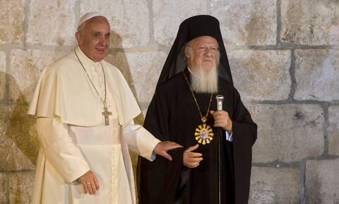 Ευχές του Πάπα Φραγκίσκου προς τον Βαρθολομαίο για τα 30 έτη διακονίας του στον πατριαρχικό θρόνο