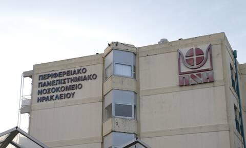 Κρήτη: Υπεύθυνη εμβολιαστικού κέντρου τέθηκε σε αργία μετά την ομολογία για ψευδή εμβολιασμό της