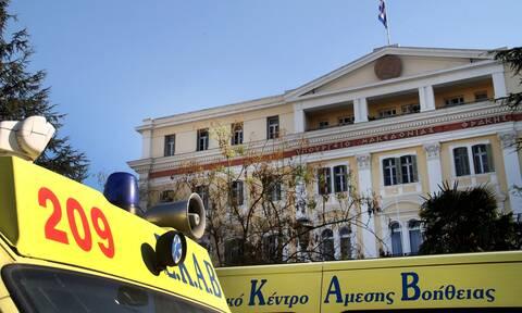 Θεσσαλονίκη: Σύγκρουση αυτοκινήτου με μηχανή - Ένας τραυματίας