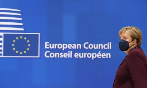 Σύνοδος Κορυφής ΕΕ: Συγκίνηση για την αποχώρηση Μέρκελ - Την χειροκρότησαν όρθιοι οι ηγέτες