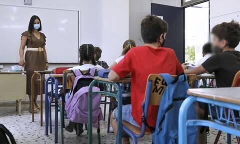 Κορονοϊός: Τρομάζουν τα στοιχεία για τα παιδιά - Αύξηση 126% στα σχολεία
