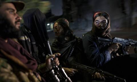 Αφγανιστάν: Το ΙΚ ανέλαβε την ευθύνη για την έκρηξη που βύθισε την Καμπούλ στο σκοτάδι