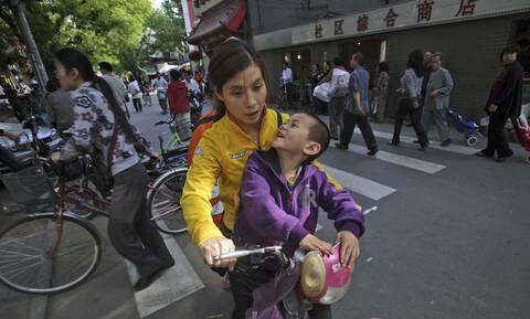 Κίνα: Η Κίνα ψηφίζει νόμο για να περιοριστεί η πίεση της μελέτης στο σπίτι για τους μαθητές