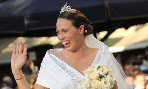 Γάμος Φίλιππου Γλύξμπουργκ με τη Νίνα Φλορ: Εικόνες από τη λαμπερή τελετή (photos)