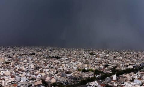 Καιρός: Συννεφιασμένη Κυριακή με βροχές και καταιγίδες- Πού θα είναι έντονα τα φαινόμενα
