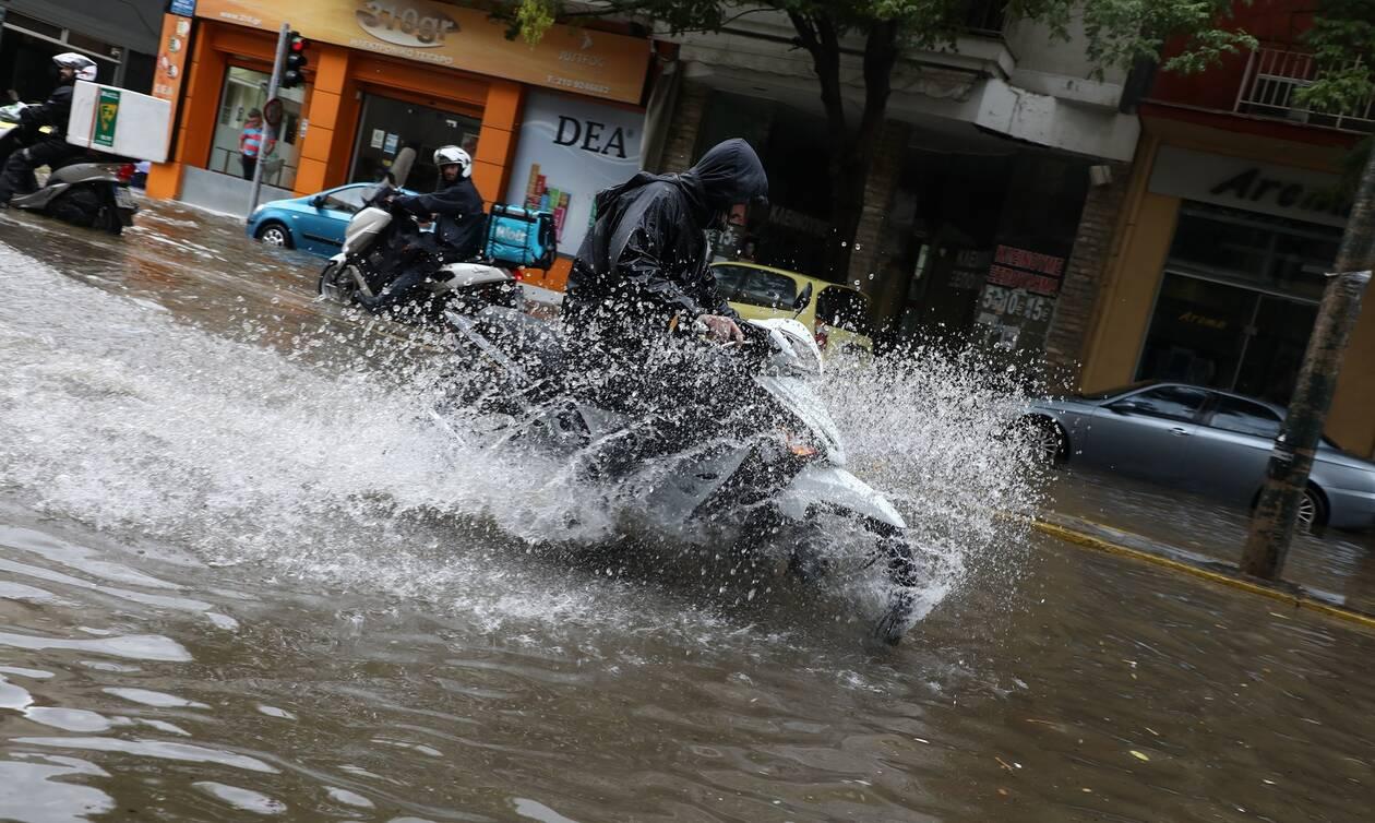 Νέα κακοκαιρία από το βράδυ της Κυριακής - Σε ποιες περιοχές θα βρέχει όλη την εβδομάδα