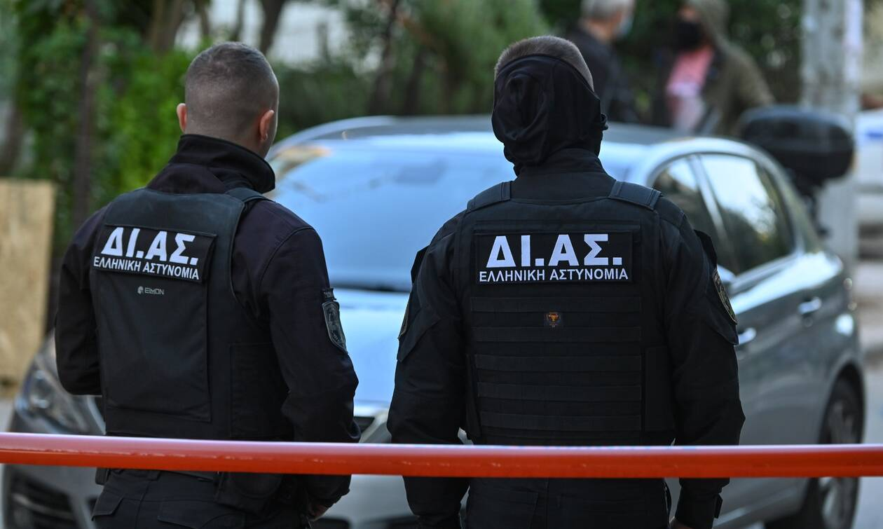 Συμπλοκή στο Πέραμα: Το ανάθεμα στους αστυνομικούς και τα εύκολα συμπεράσματα