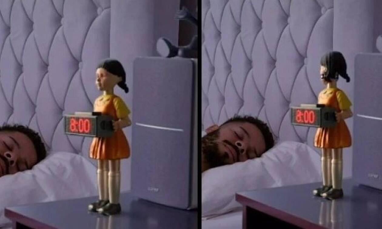 Βγήκε ξυπνητήρι με την κούκλα του Squid Game: Τι σου πετάει για να σηκωθείς (vid)