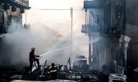 Φωτιά ΤΩΡΑ σε μάντρα αυτοκινήτων στο Μαρούσι