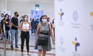 Κρούσματα σήμερα: 2.098 νέα ανακοίνωσε ο ΕΟΔΥ, 30 θάνατοι και 365 διασωληνωμένοι