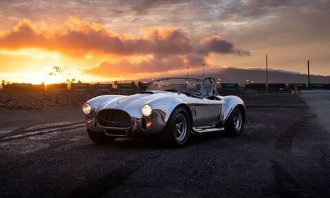 Shelby Cobra: Το πιο κουλ αμάξι κυκλοφορεί ελεύθερο