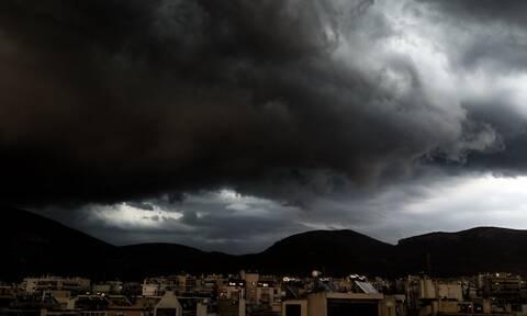 Καιρός: Με βροχές, πτώση της θερμοκρασίας και πολλά μποφόρ η Δευτέρα - Πού θα σημειωθούν καταιγίδες