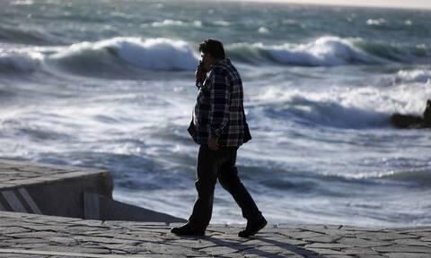 Καιρός – Μαρουσάκης: Το «ατμοσφαιρικό βουνό» φέρνει άστατο καιρό – Πώς θα γίνουν οι παρελάσεις