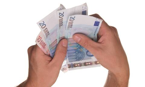 ΟΠΕΚΑ: Πότε καταβάλλονται επιδόματα και παροχές - Πότε πληρώνεται το επίδομα παιδιού