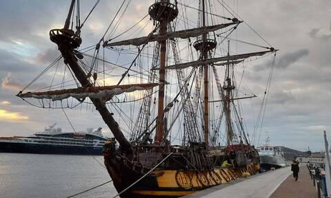 Σύρος: Θρυλικό Ρώσικο ιστιοφόρο με μεγάλη ιστορία στο λιμάνι της Ερμούπολης