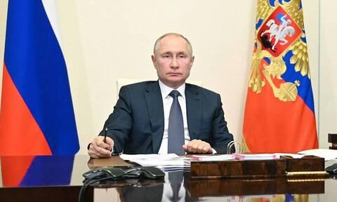 Путин рекомендовал запретить развлекательные мероприятия и работу общепита ночью