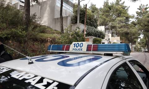Πειραιάς: Πονοκέφαλος στην ΕΛ.ΑΣ. για ομάδα που σπάει και αδειάζει αυτοκίνητα - Οι έρευνες των Αρχών
