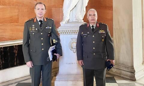ΓΕΕΘΑ: Βράβευση της Σχολής Εθνικής Άμυνας και της Γεωργαφικής Υπηρεσίας Στρατού