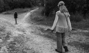 Πρόωρη σύνταξη έως και 9 χρόνια νωρίτερα για μητέρες ανήλικων τέκνων