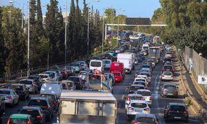 Κίνηση τώρα: Μεγάλο μποτιλιάρισμα στον Κηφισό – Χύθηκε πετρέλαιο στο οδόστρωμα