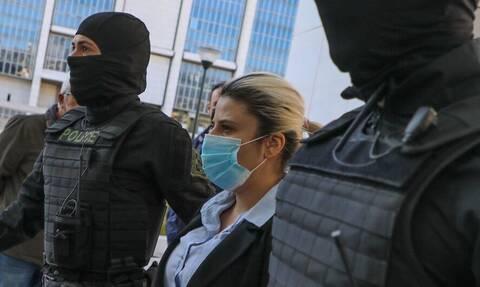 Δίκη για βιτριόλι: Στα δικαστήρια Ιωάννα Παλιοσπύρου και Έφη Κακαράντζουλα - Αναμένεται η απόφαση