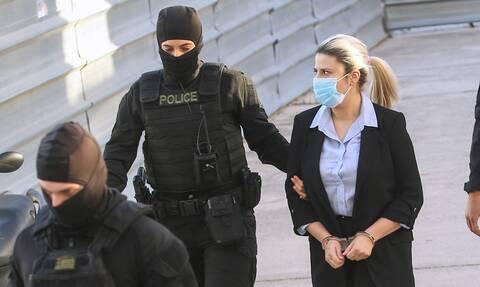 Δίκη για βιτριόλι: Ποια 15 χρόνια – Πότε θα βγει από τη φυλακή η Έφη Κακαράντζουλα