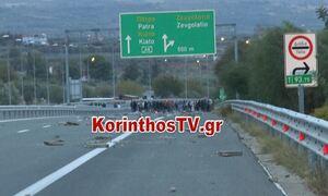 Έκλεισε η Εθνική Οδός Αθηνών - Πατρών: Νέα ένταση και πετροπόλεμος από Ρομά