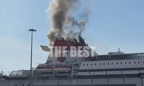Συναγερμός στο λιμάνι της Πάτρας: Φωτιά σε πλοίο - Δείτε βίντεο