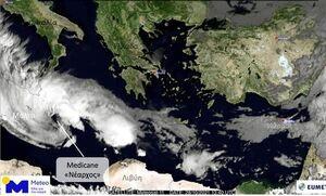 Καιρός: Απειλεί την Ελλάδα ο κυκλώνας «Νέαρχος» - Τα τελευταία νέα για την πορεία του