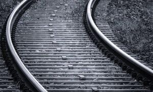 Τραγωδία στην Κόρινθο: Νεκρός υπάλληλος της ΤΡΑΙΝΟΣΕ - Έχασε τις αισθήσεις του πάνω στις ράγες